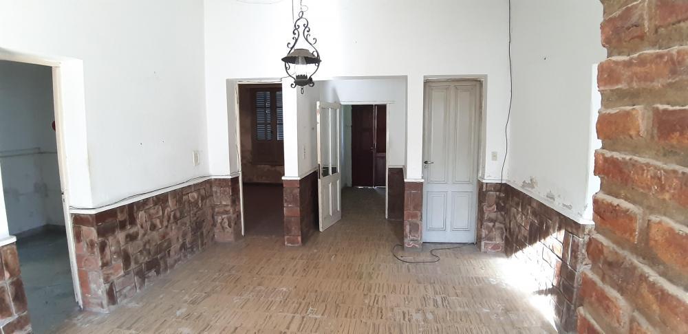 Vendo en Urdinarrain Casa Antigua excelente u